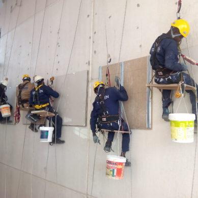 Prácticas del curso de  Trabajos Verticales y de altura. Instituto Eraiken (Vitoria-Gasteiz)